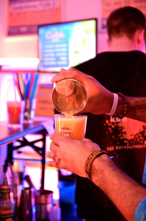 Leckere Cocktails am Samstag Abend